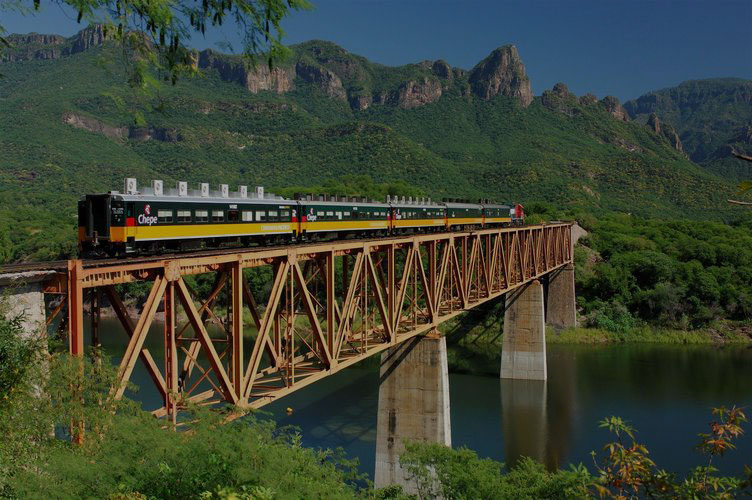 Train tour in Mexico's Copper Canyon