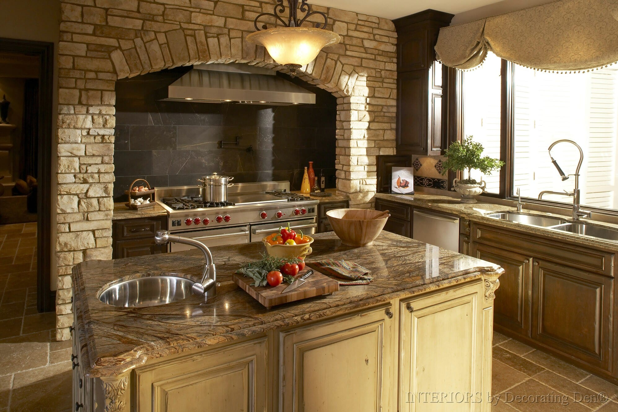 fantastic-kitchen-interior-range-hood