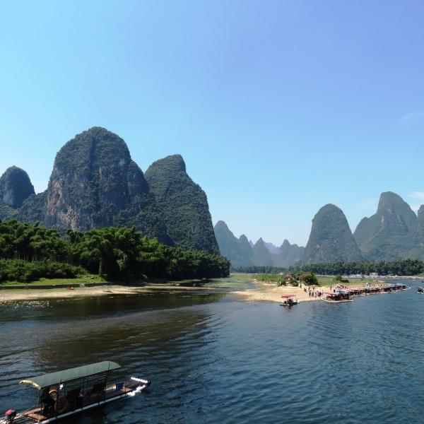 Yangshuo and the Li River cruise : karsts as seen on China 20-yuan bill!