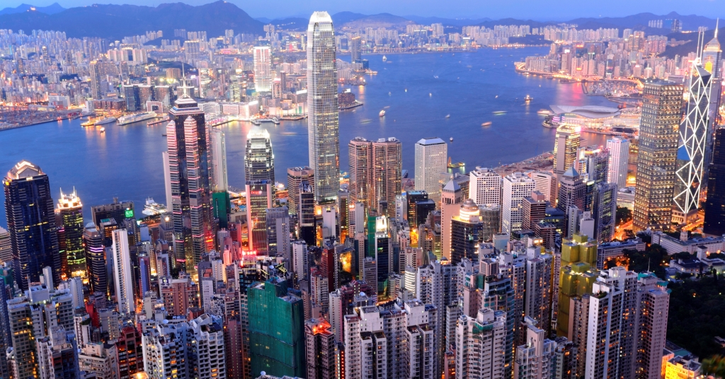 Travel destinations of a lifetime: Hong Kong (photo destinations.flysaa.com)