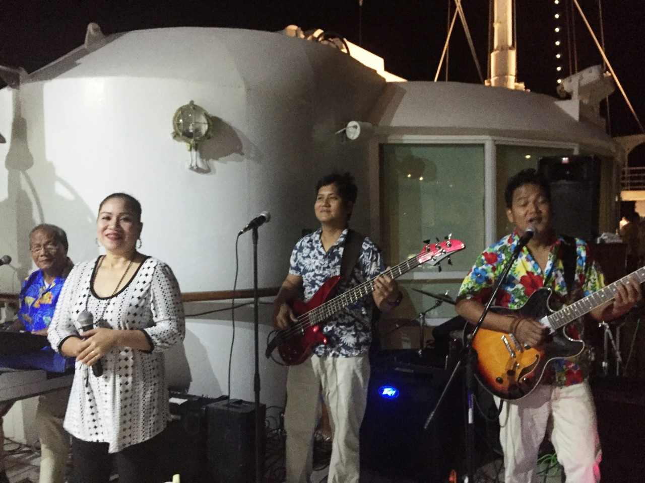 "Dining under the stars with Windstar Cruises ! Live singing and music with ""Top Society"" band"