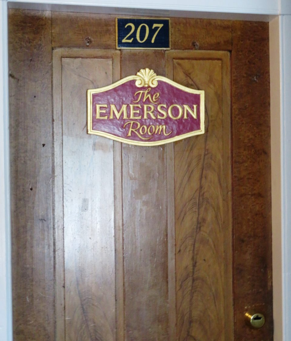 Emerson Inn by the Sea : The Emerson Room (Room 207)