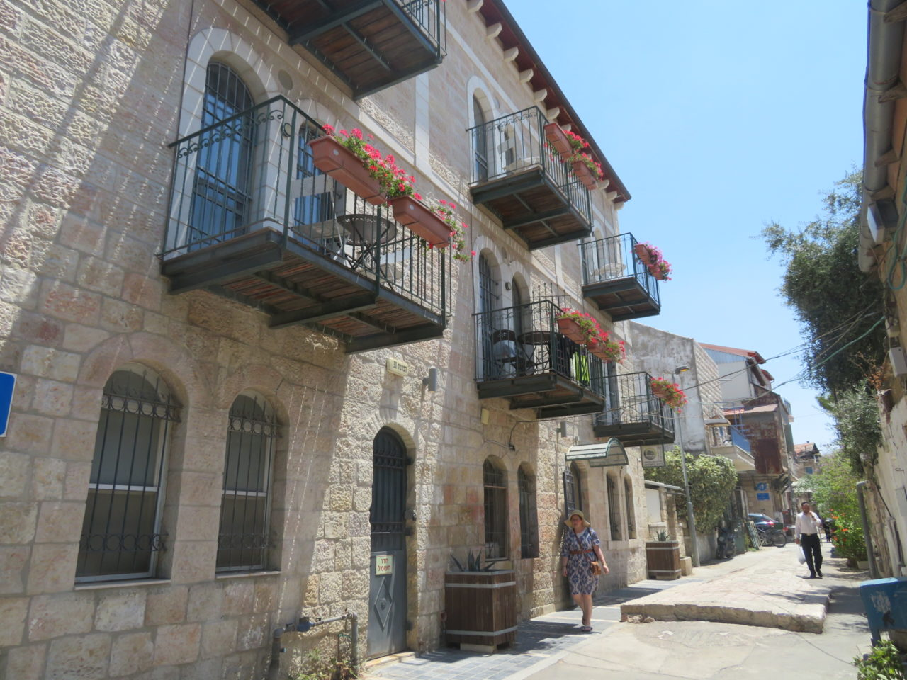 The joys of walking Jerusalem - the Nachlaot neighborhood