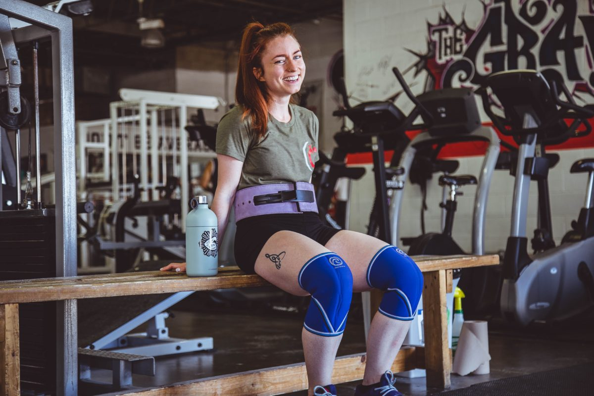 The Pros & Cons of Using a Weightlifting Belt