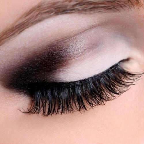 Classic Eyeliner with Color Pop Eye Shadow