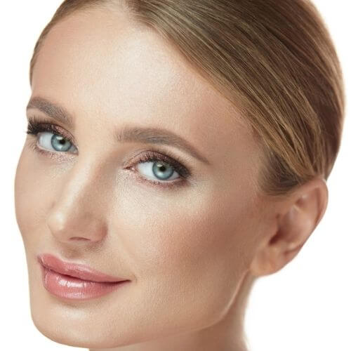 Woman with a Full Face Bundle