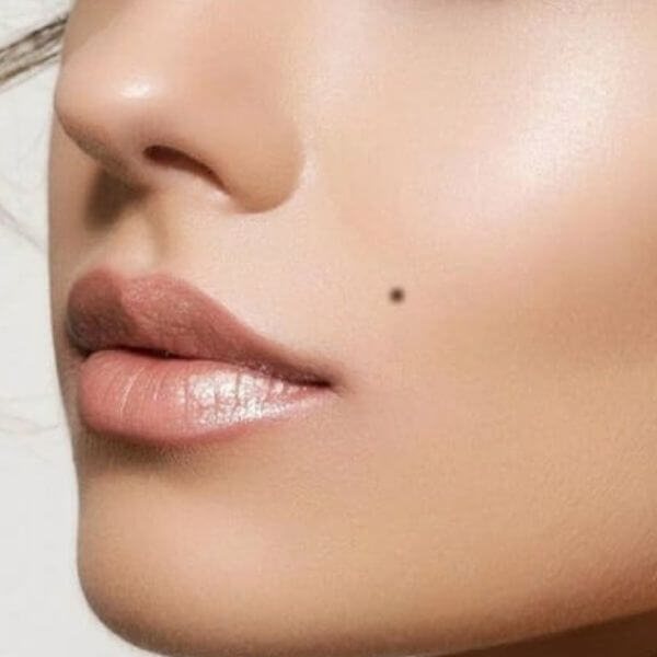 Example of a cosmetic tattoo beauty mark.