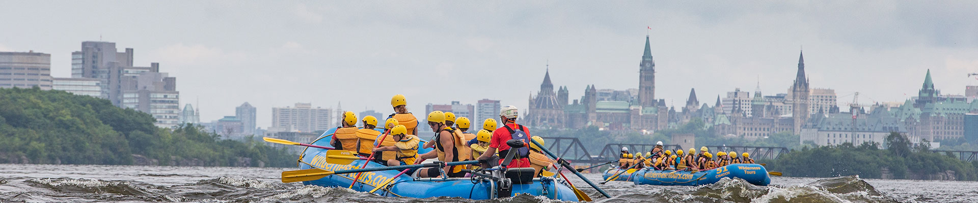 Rafting with parliament buildings in Ottawa