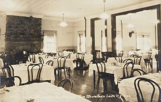 diningroomthehedges