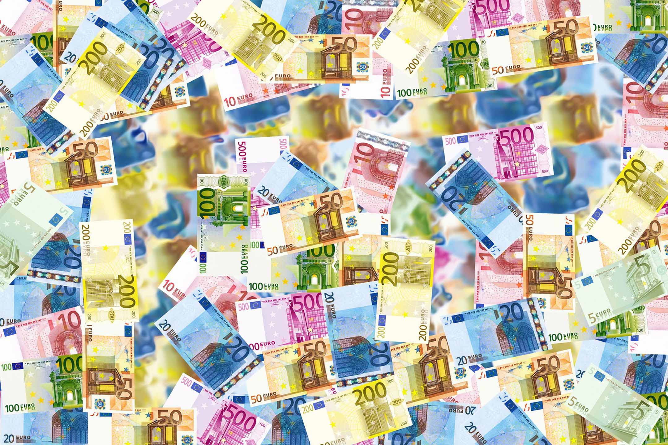 Handling Money While Traveling Abroad