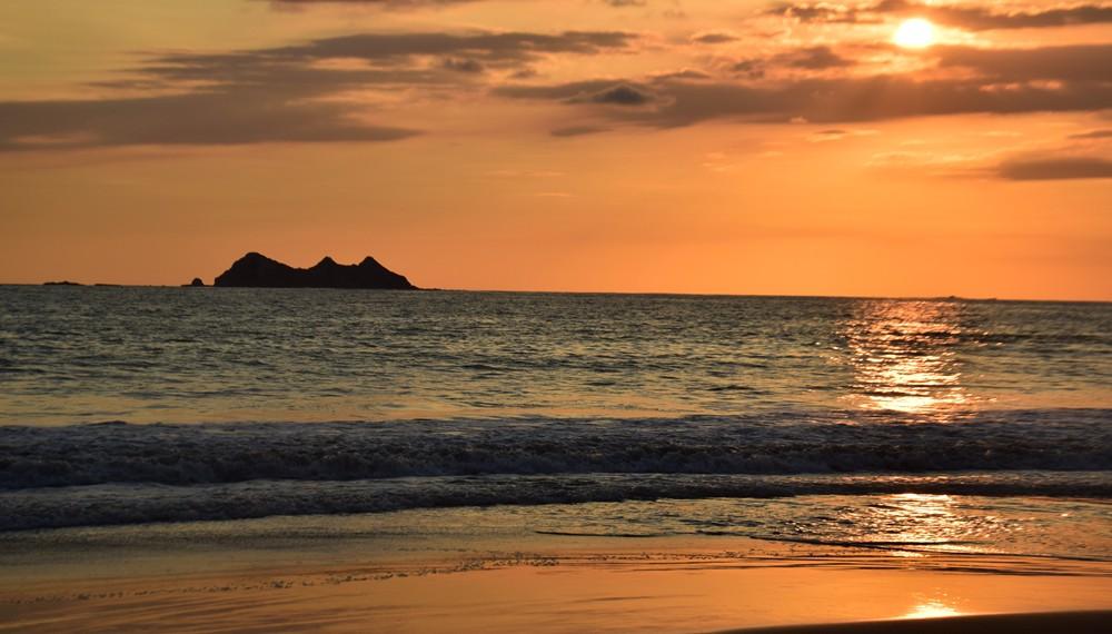 costa rica beach uvita 3 sisters