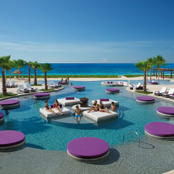 breathless-riviera-cancun-exhale-pool