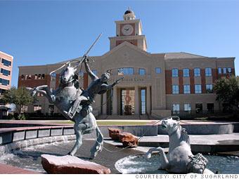 Photo of a fountain in Sugar Land, TX