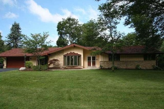 6111 Parkview Rd, Greendale, WI 53129
