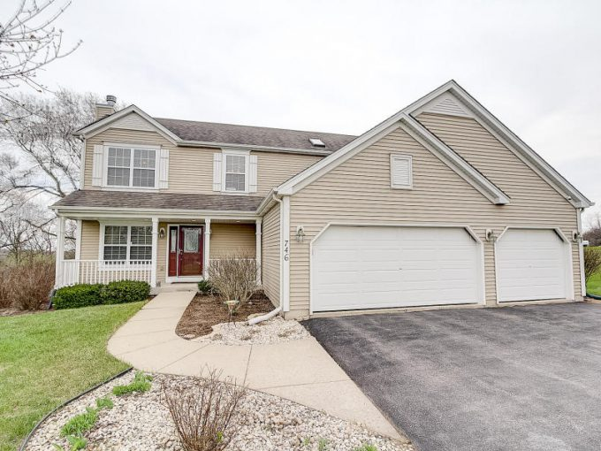 746 Oak Ridge Ln, Genoa City, Wisconsin 53128-2067