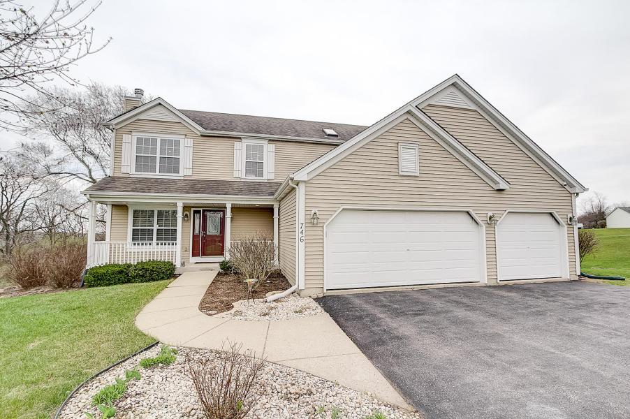 746 Oak Ridge Ln, Genoa City, Wisconsin 53128-2067
