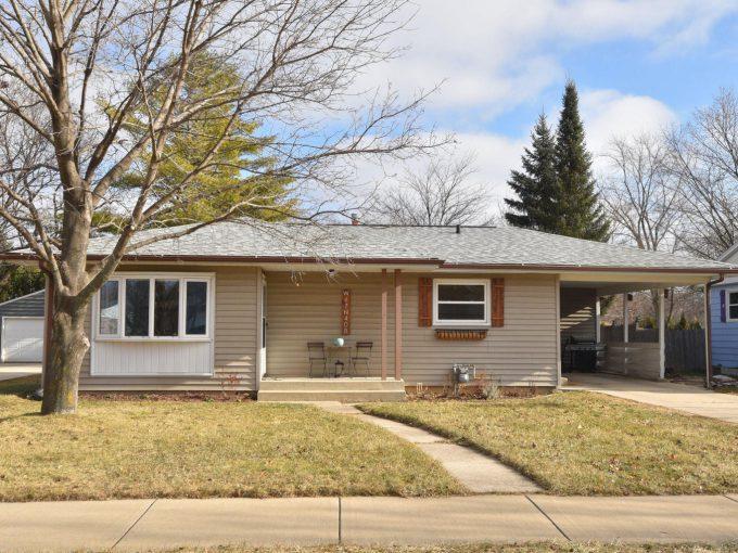 W67N408 Grant Ave Cedarburg, Wisconsin 53012-2348