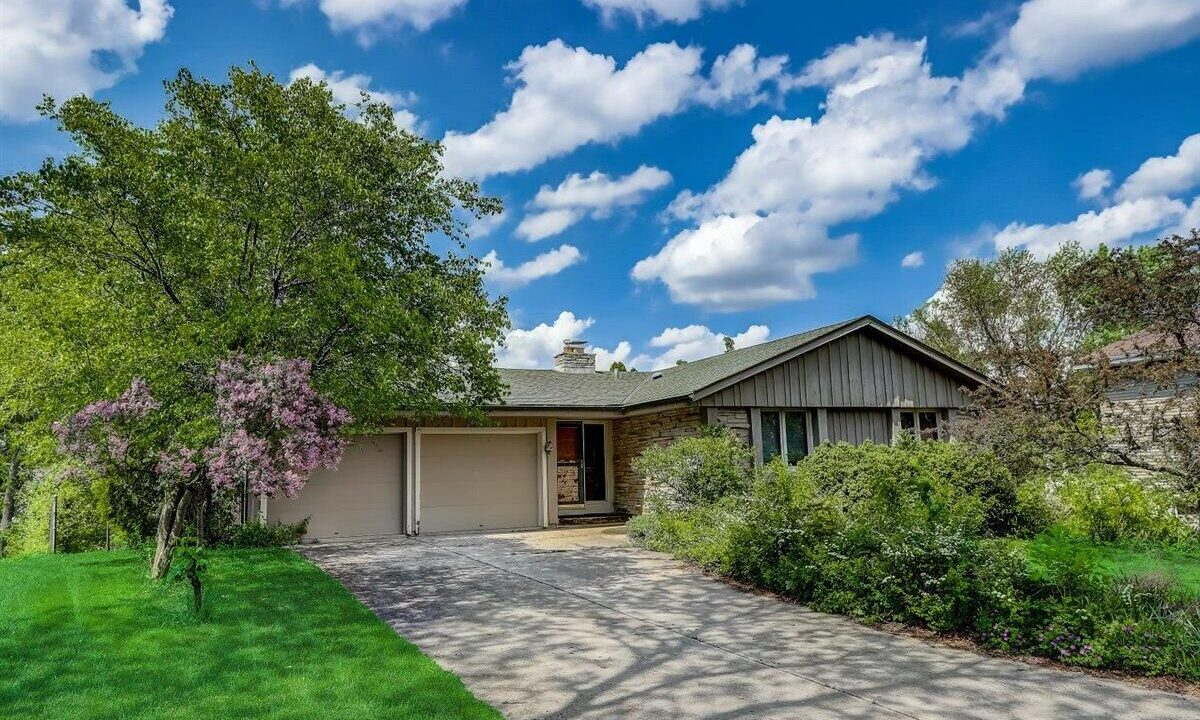 Hill Valley Court Greendale Rhonda Real Estate Remax
