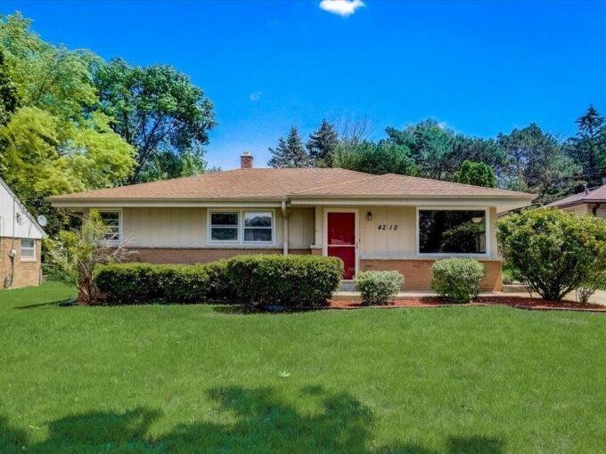 Wauwatosa House for Sale Rhonda Simonson