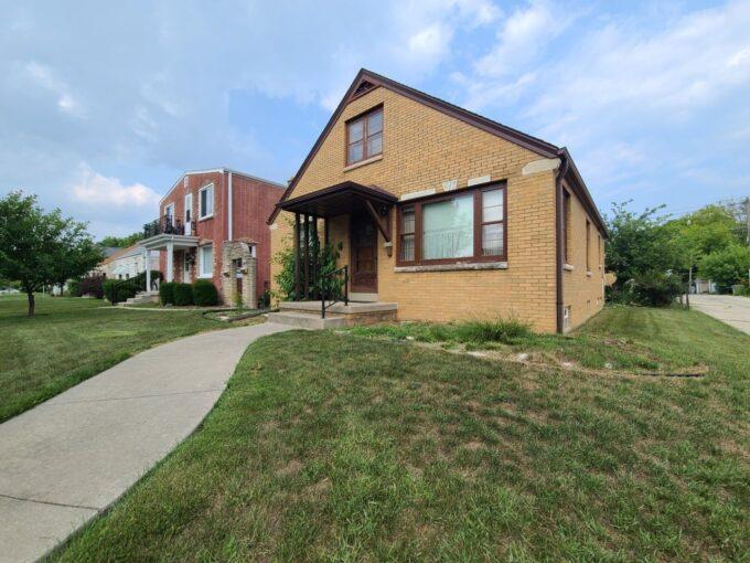 Bayview Home for Sale Rhonda Simonson