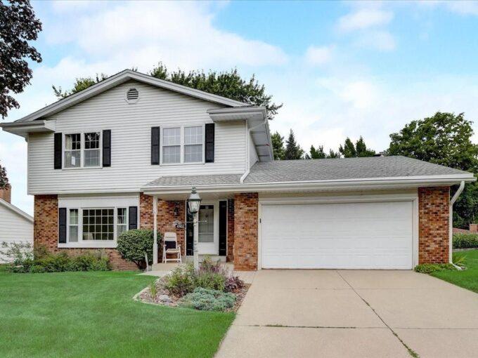 Greendale Homes for Sale Rhonda Simonson