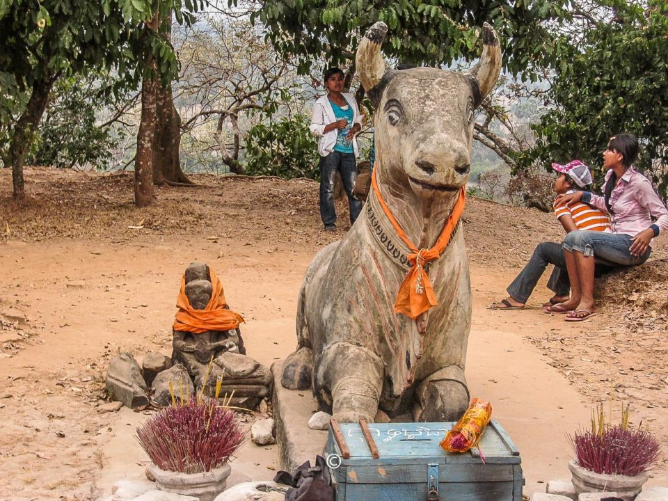 Ta Keo Nandi - Still worshipped as seen in the picture.