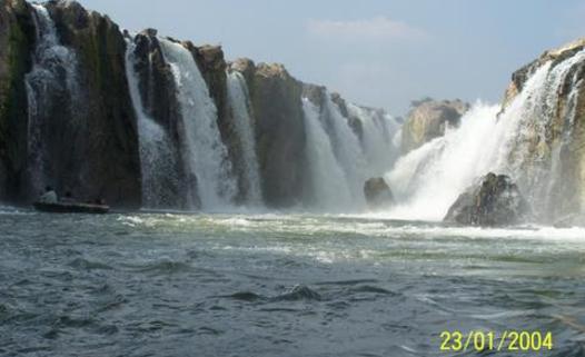 Numerous Water falls of Kaveri at Hogenakkal