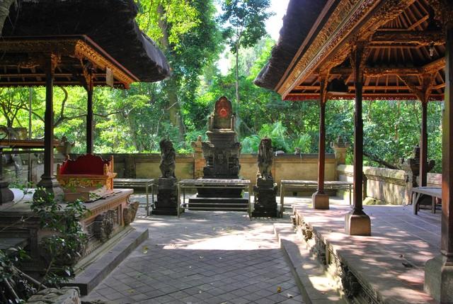 Cremation tables iin front of the Padmasana in Pura Prajapathi , Ubud Monkey Temple