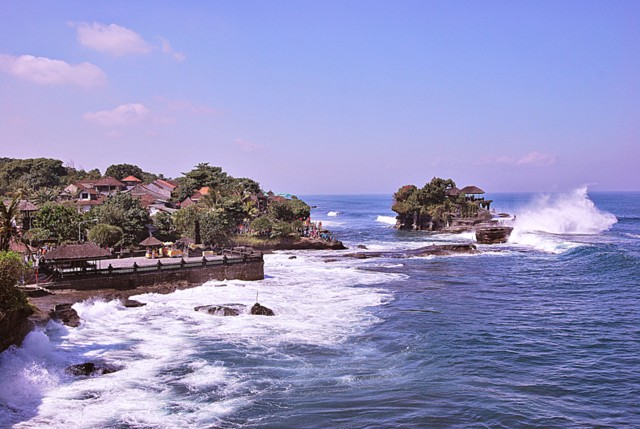 View of Pura Tanah Lot on the right and Pura Penyawang on the left