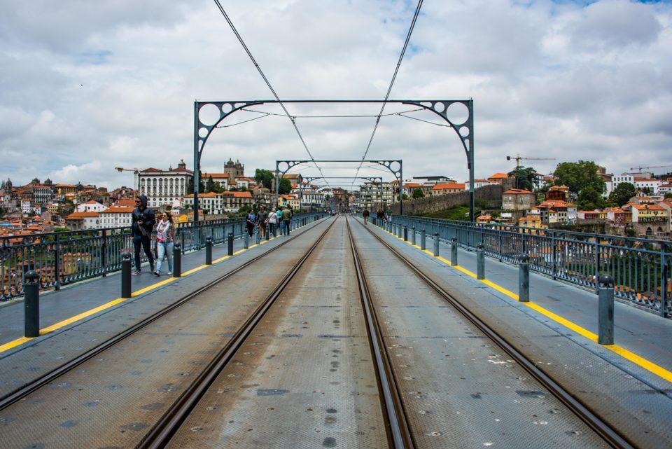 Top deck of Dom Luis I Bridge with the Metro line