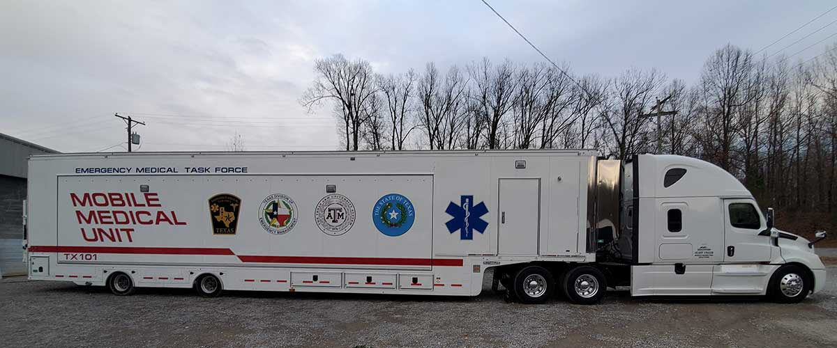 Photo Texas Emergency Covid  Mobile Icu Facility Curbside View Before Delivery