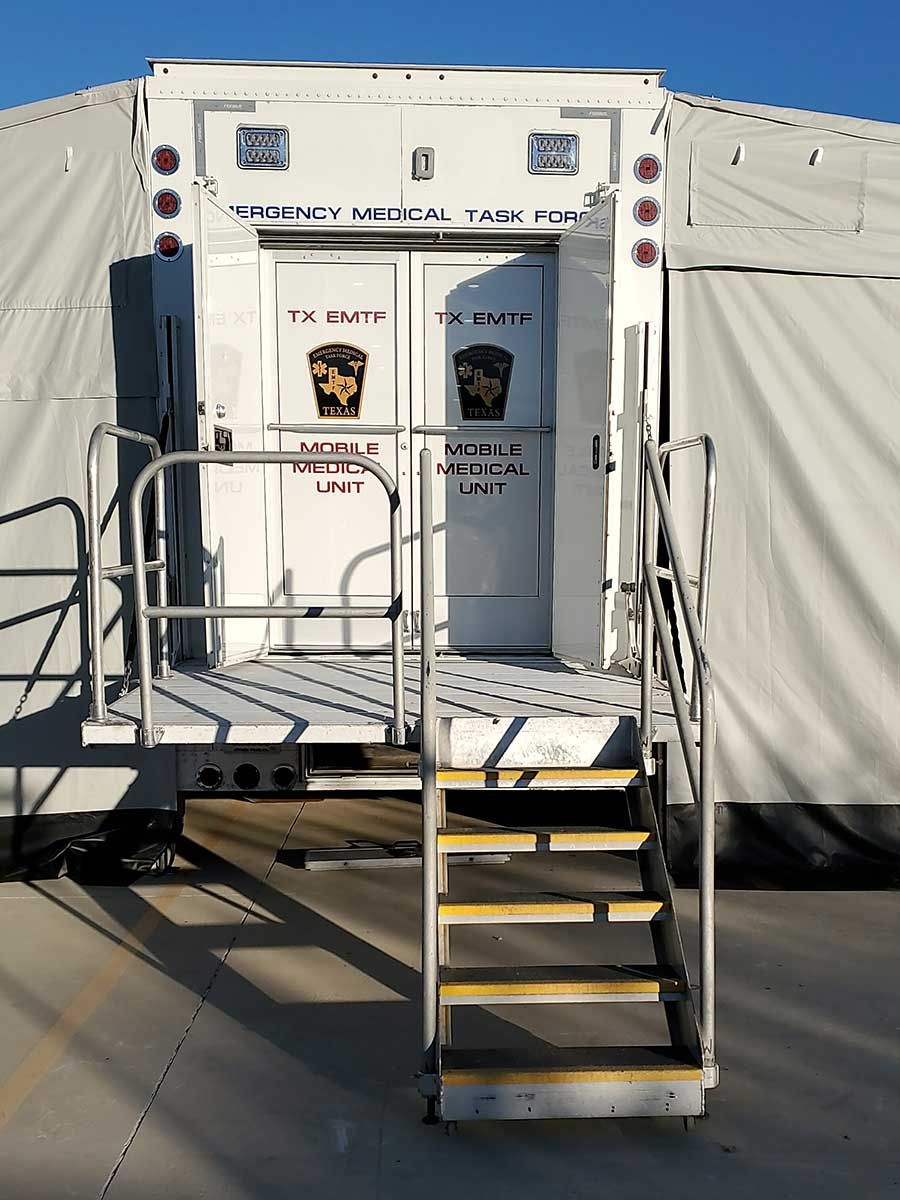 Photo Texas Emergency Covid  Mobile Icu Facility Back View Close Up After Install