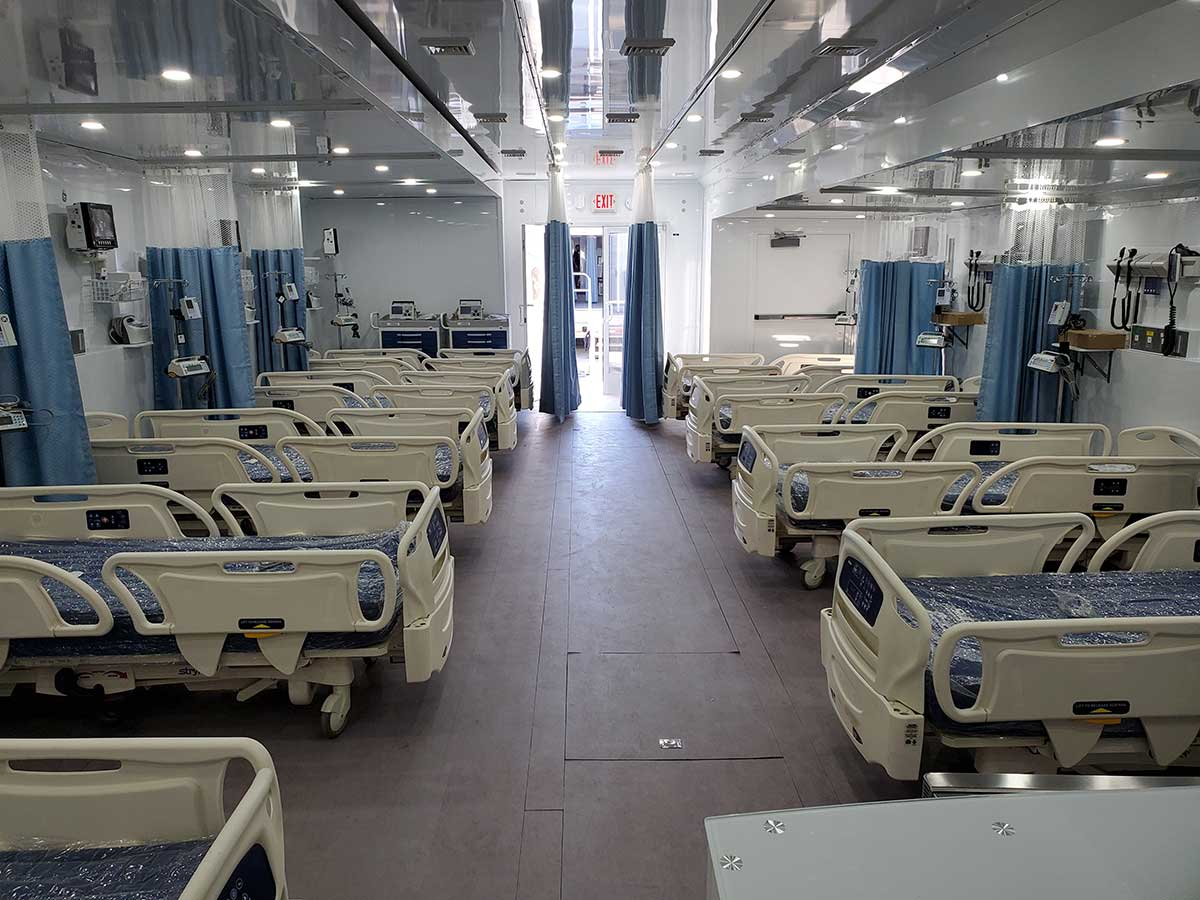 Photo Texas Emergency Covid  Mobile Icu Facility Inside After Beds Installed