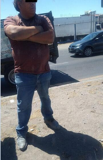 POLICÍAS DE LA SECRETARÍA DE SEGURIDAD RECUPERAN CAMIONETA CON REPORTE DE ROBO Y DETIENEN AL CONDUCTOR COMO POSIBLE RESPONSABLE