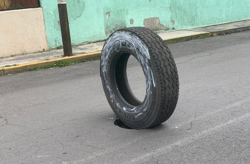 ALERTAN VECINOS DE FORMACIÓN DE SOCAVÓN EN LA DELEGACIÓN SÁNCHEZ