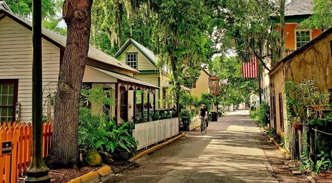 Spanish Street – Old Town