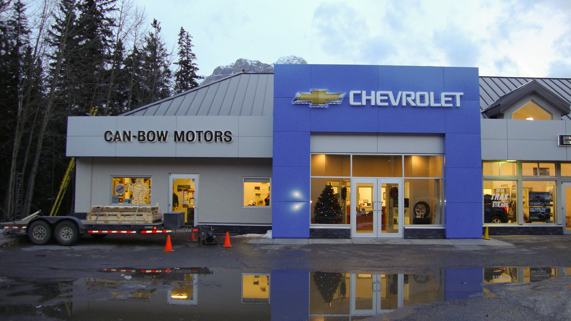 Can-Bow Motors (Canmore)