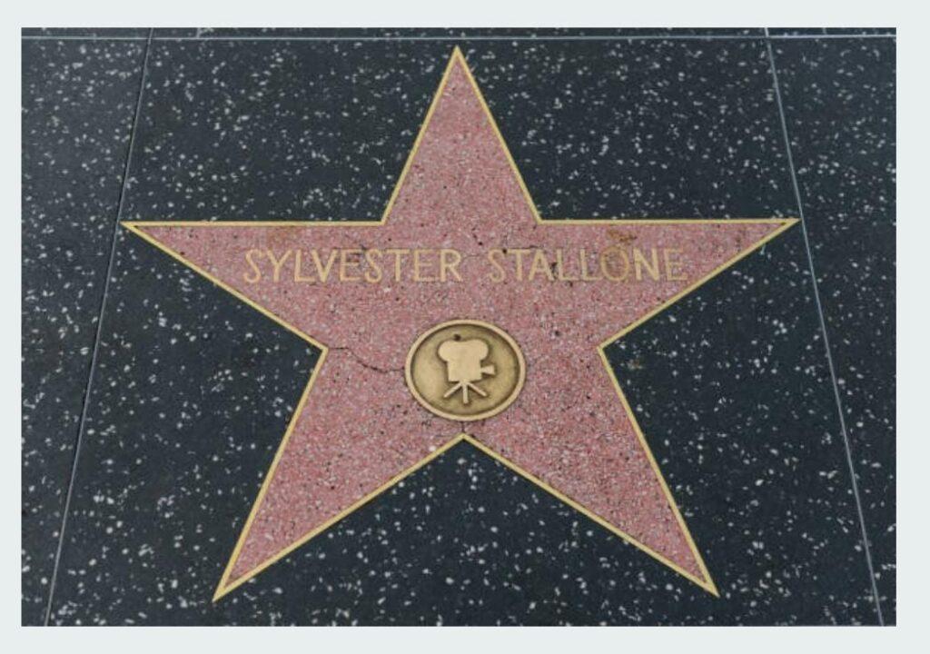 A sus 75 años Sylvester Stallone entrena duro y parejo