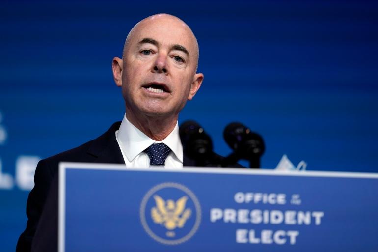 Secretario de Seguridad Nacional ordena a ICE detener redadas en lugares de trabajo