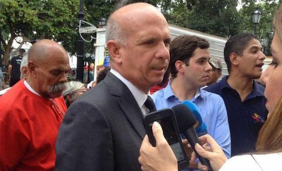 """Traición revolucionaria :""""Pollo"""" Carvajal entrega pagos del chavismo a agentes de Podemos"""
