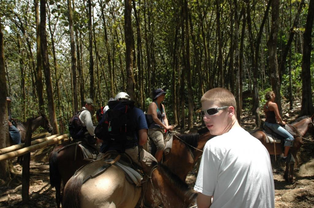 horseback riding nauyaca costa rica