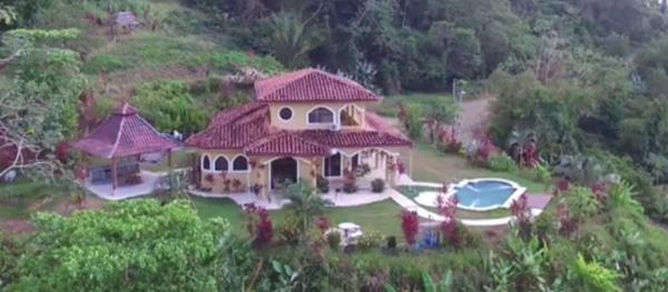 drone photo casa lapas back