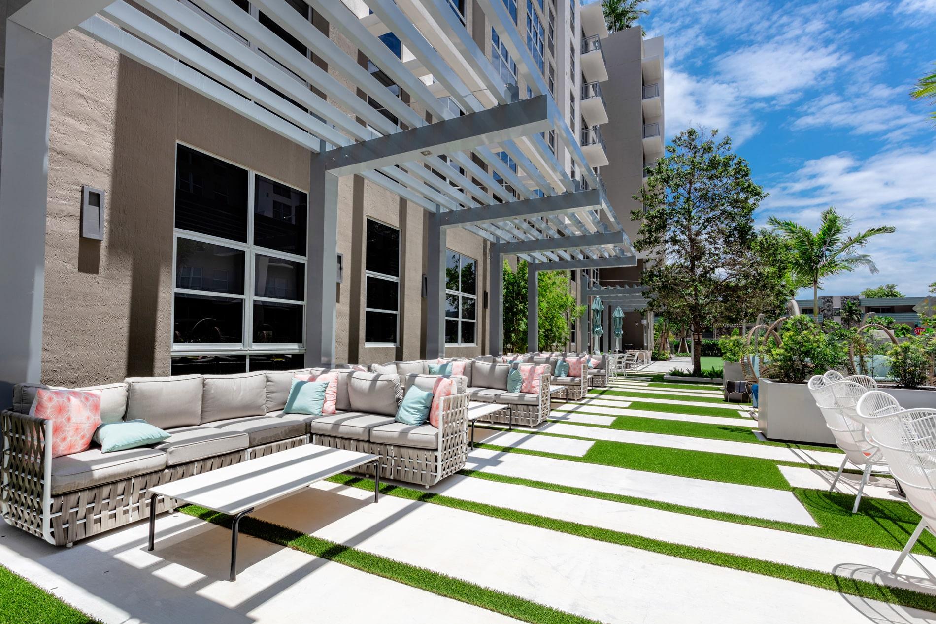 Modera Metro II   Exterior Area   Miami, FL   Multifamily High Rise   Interior Designers