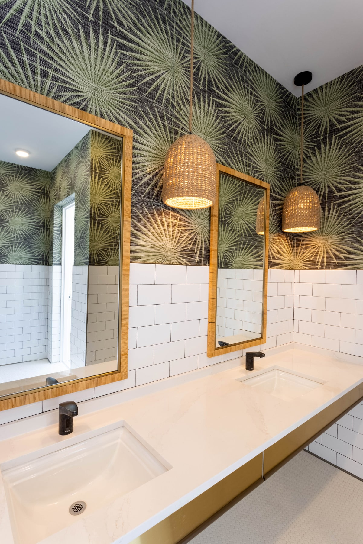 Town Village Walk | Bathroom 2 | Fort Myers, FL | Multifamily | Interior Designers