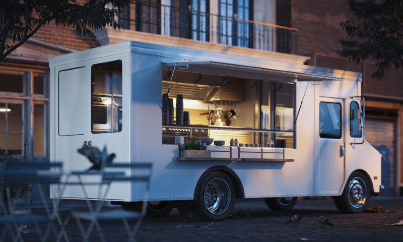 Launching a Food Truck Business VS. Opening a Restaurant
