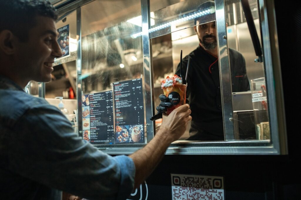 How to Develop a Food Truck Business Plan For Your Restaurant
