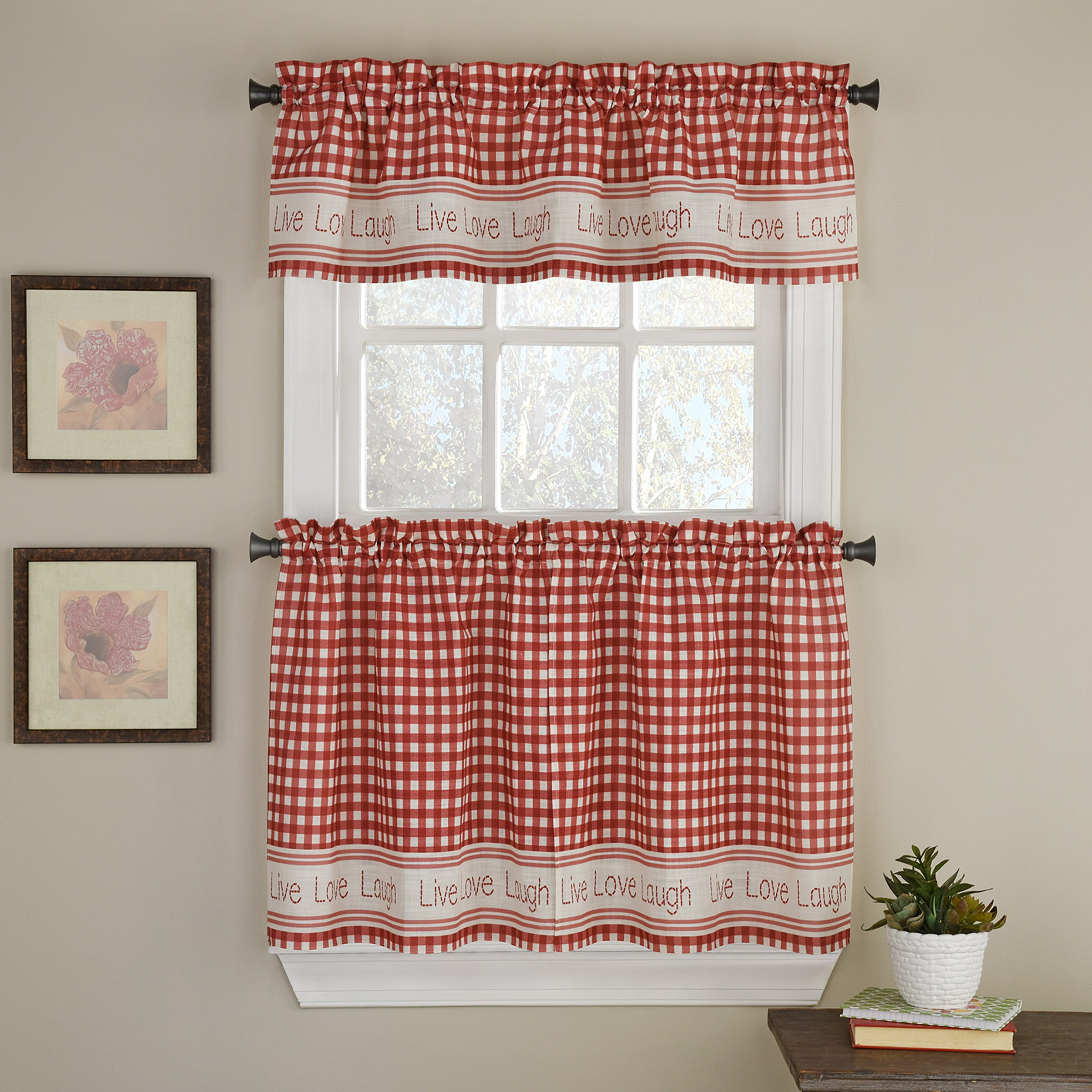 Gingham Stitch Tier with Valance