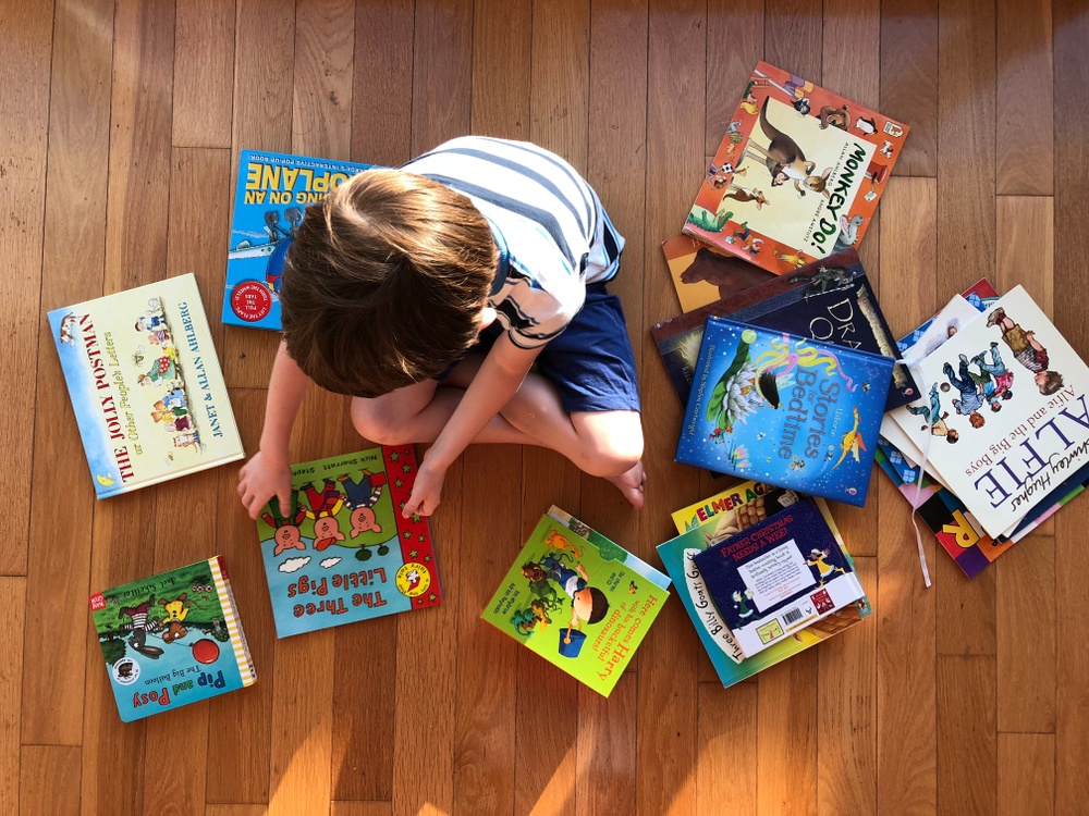 HOW TO WRITE STORY BOOKS WITH PICTURES