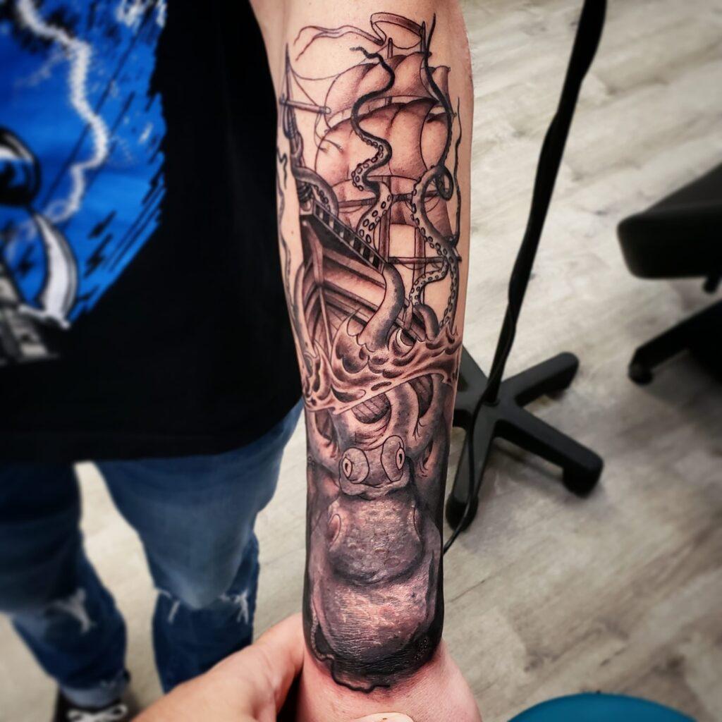 sam-fernandez-tattoo-ship-octopus