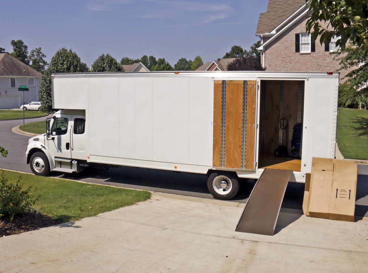 How to Be Safe While Driving a Moving Truck